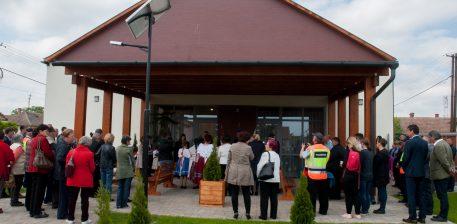Zöldváros, Iskola energetikai korszerűsítése, Műfüves labdarúgó pálya ünnepélyes átadása